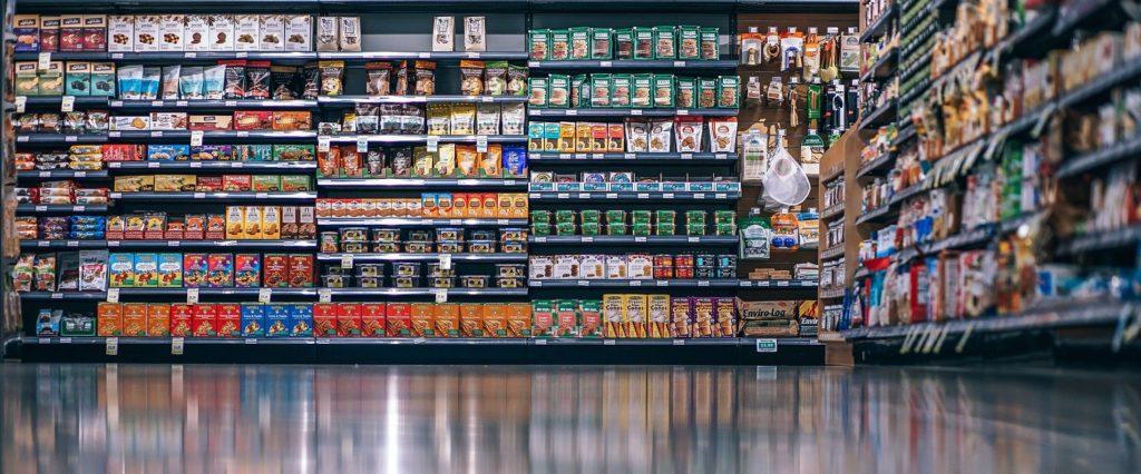 Die Vielfalt an ETFs erinnert an ein prallgefülltes Supermarktregal